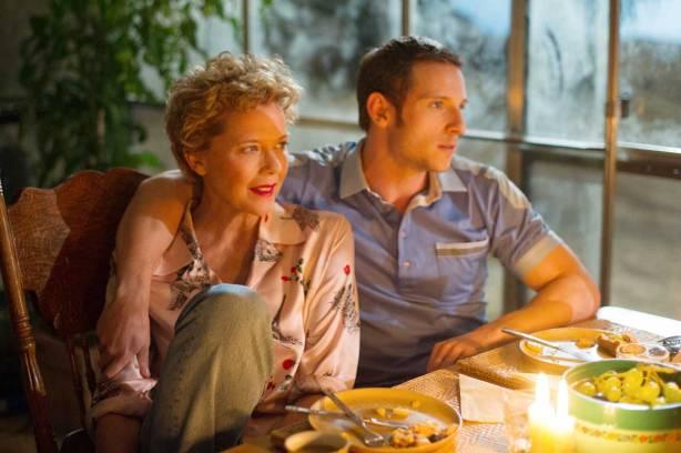 film-stars-dont-die-in-liverpool-annette-bening